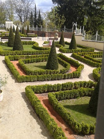 Bezrucovy sady: University of Olomouc garden on the city walls