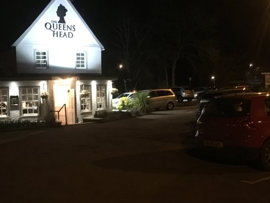 Harston, UK: Newly Refurbished Queens Head with authentic Thai Menu