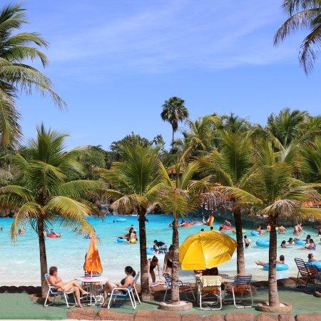 Completo de tobo guas picture of thermas dos laranjais for Olimpia piscina de onda