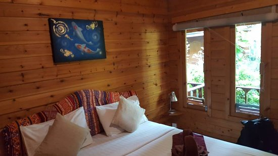 Log Home Boutique Hotel: Our room