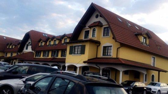 Perchtoldsdorf, Austria: photo0.jpg