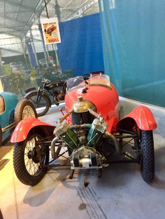 Chatellerault, Frankrike: Belles machines