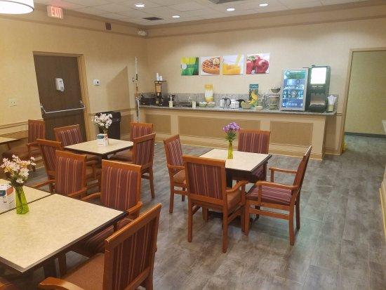 Old Saybrook, CT: Breakfast Room