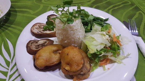 Taufua Beach Fales: Vegan Dinner Plate