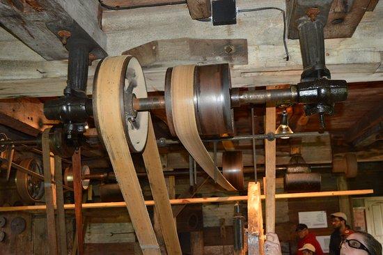 Pittsfield, MA: Drive Belt System in wood Shop