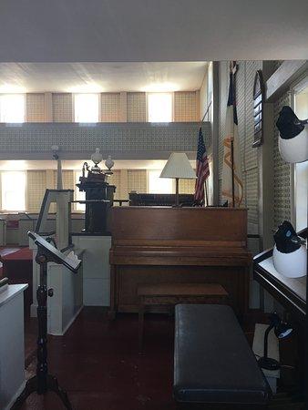 Truro, MA: Piano or organ
