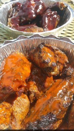 Charleston, Wirginia Zachodnia: Wings in Sauce