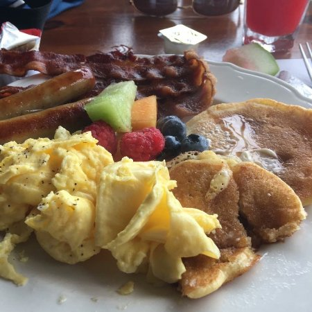 East Boothbay, ME: Full breakfast included with your room