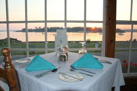 East Boothbay, ME: Ocean View dining