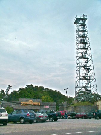 Wytheville, VA: Big Walker Lookout's 100-foot tower and BW Country Store, featuring local artisans.