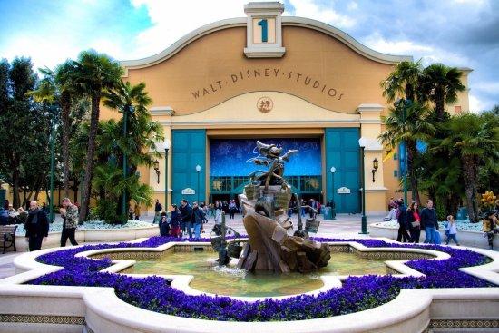 Fake Hauser Im Usa Stil Picture Of Walt Disney Studios Park