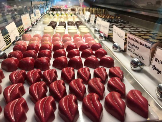 Le Macaron: Someone will find something that will satisfy their sweet tooth.
