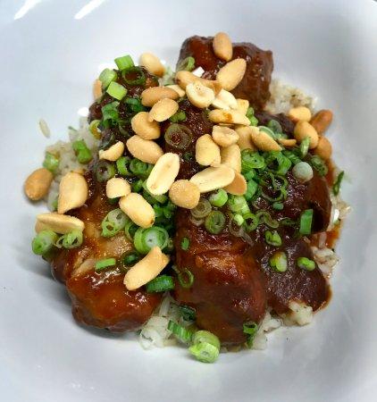 Bromont, Kanada: L'heure du lunch, pilons de poulet coréen
