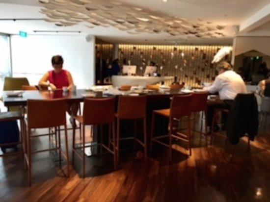 Naumi Hotel: Shared Breakfast Area option