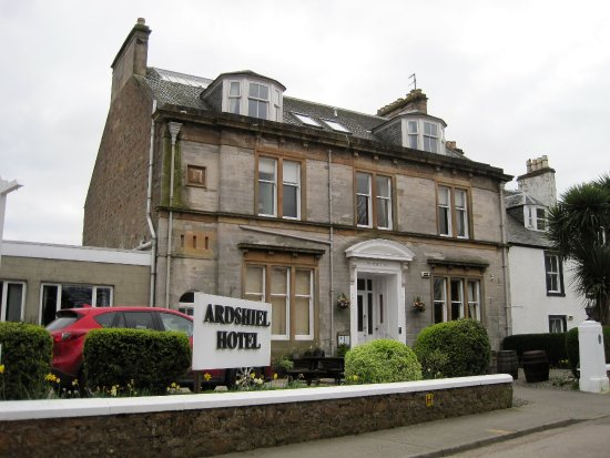 Ardshiel Hotel: Outside of hotel