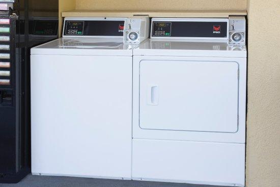 Days Inn Ladson Summerville Charleston: Onsite Self-Service Laundry, Vending, & Ice Machine