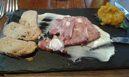 Kelsall, UK : ham and cheshire cheese terrine