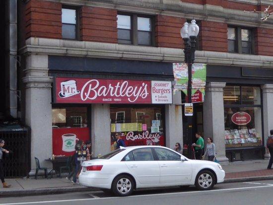 Mr. Bartley's Gourmet Burgers : Mr. Bartley's Entraance