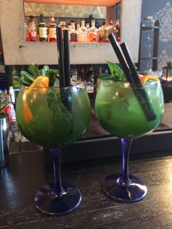 Pearlz Bar