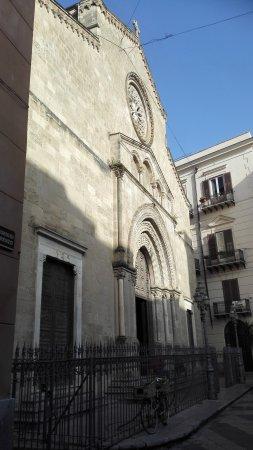 Église Saint François d'Assise : Bellissima chiesa