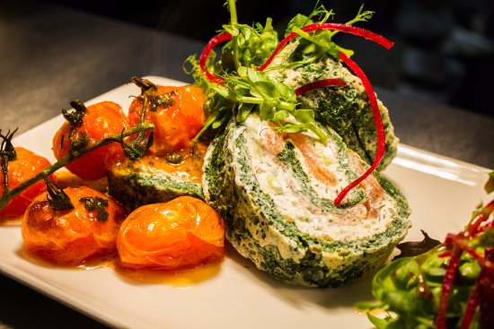 Ennis, Ireland: One of our specials: Smoked Salmon & Cream Cheese Roulade in Spinach Pastry served w/ Chips & Sa