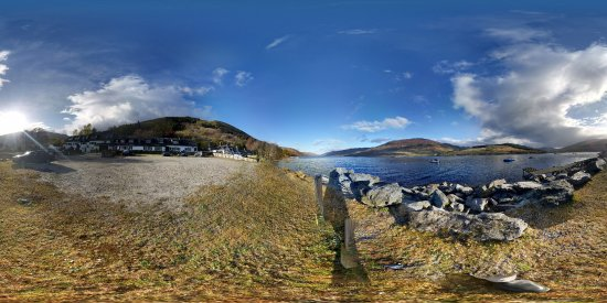 Lochearnhead, UK: 360 deg Photo showing Hotel and Loch.