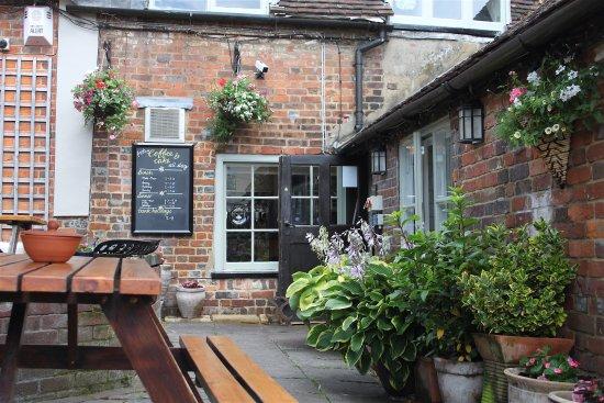 Great Missenden, UK: Entrance