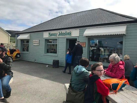 Strandhill, Ireland: Mammy Johnson's