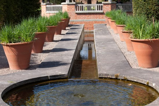 Leominster, UK: One of the water features in the garden