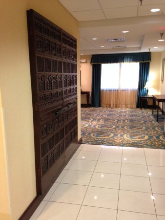 Holiday Inn Express Downtown Richmond: Antique Doors on display from Sovran Bank