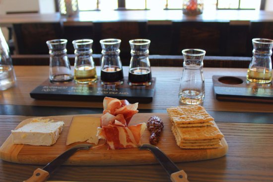 Sagaponack, NY: Food and Flight