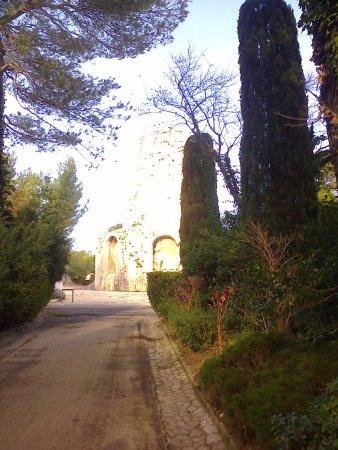 Langwedocja-Roussillon, Francja: Ним: парк фонтанов