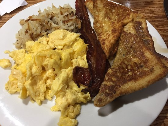 Boonville, MO: Breakfast buffet