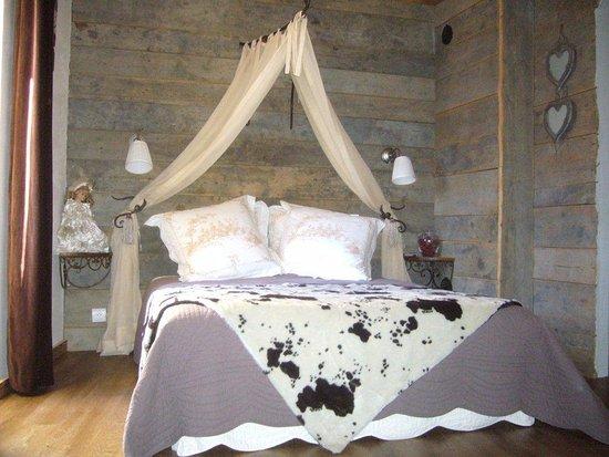 Bellentre, France : Couchage de la chambre Romance