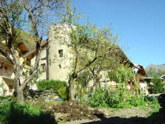 Bellentre, France : Maison d'hôtes A la Bouge'Hôtes en été