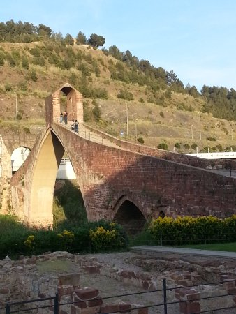 Martorell, สเปน: The bridge from the close look.