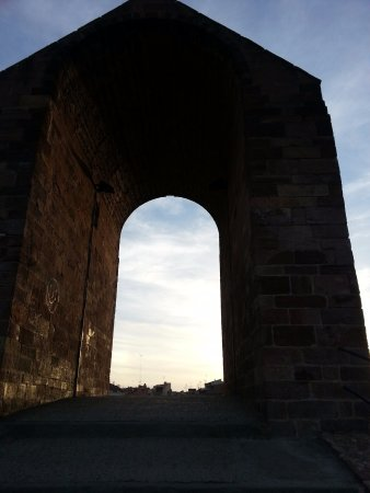 Martorell, Spain: Centre arch.