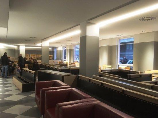 AZIMUT Hotel Vienna: Salle à manger en travaux