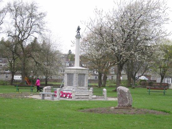Dalbeattie War Memorial