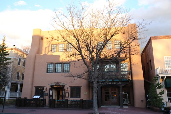 Rosewood Inn of the Anasazi: Hotel facade
