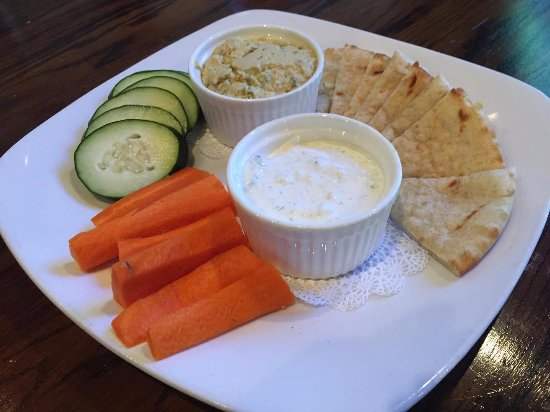 O'Faolain's Irish Pub: Hummus and Tzatziki