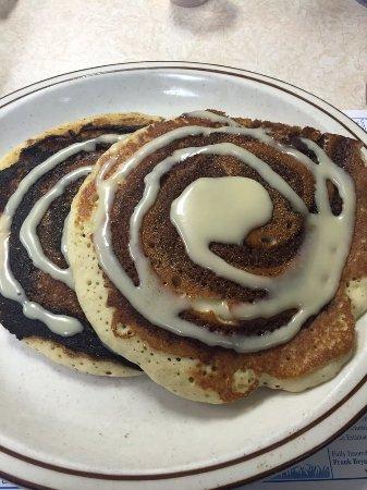 Grayling, MI: Cinnamon Roll Pancakes