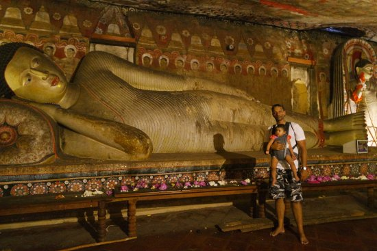 Dambulla, Sri Lanka: cave temple 2