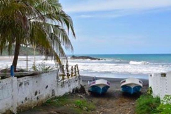 El Transito, Nicaragua: devant la maison