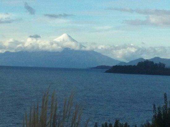 Hotel Cumbres Puerto Varas: vista do vulcão
