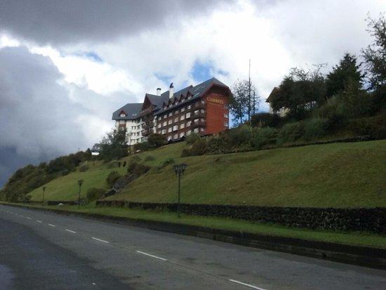Hotel Cumbres Puerto Varas: da rua para o hotel