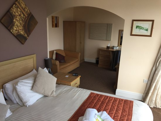 Mereside: Comfortable, double bed + a sofabed