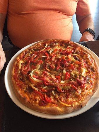 Sason Pizza & Kebabhouse: Dejlige pizzaer.   Værd at spise