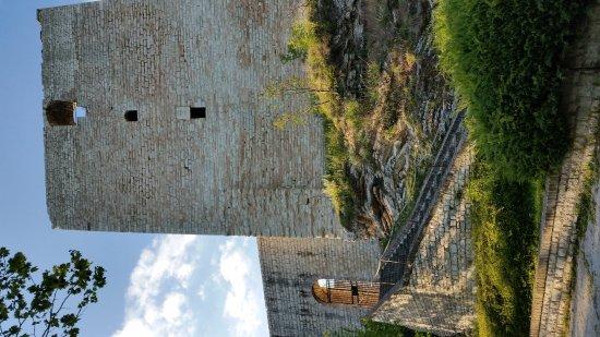Sassoferrato, Itália: Panorama  Rocca Info