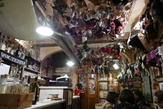 d6c4e65d7c566 Guardare bene il soffitto! - Picture of La Vena di Vino